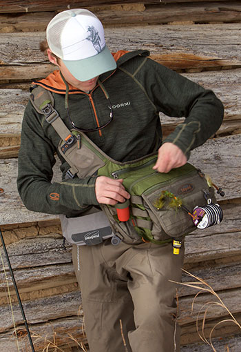 Gear Review  VOORMI Fishpond Co-lab Hoodie  dd582f2ac3c1